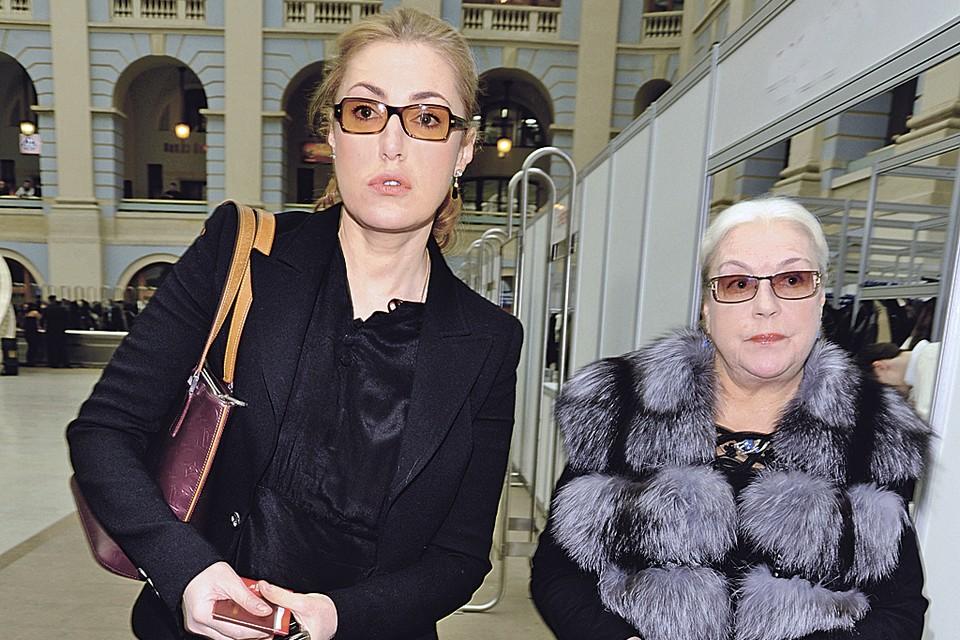 Лидия Федосеева-Шукшина и ее дочь Мария через депутатов пытаются решить семейный спор.