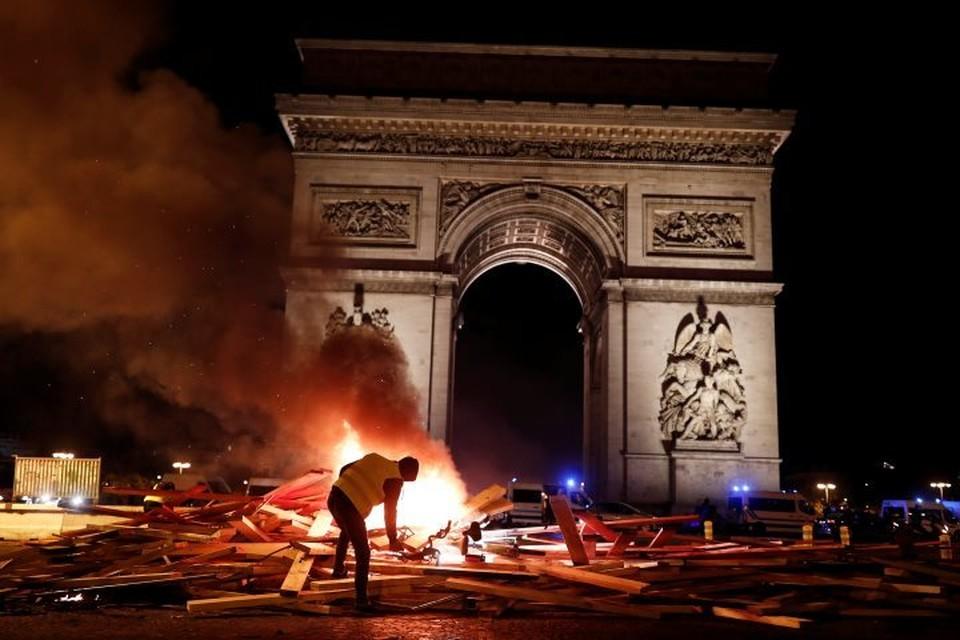 Во Франции более 100 тысяч человек приняли участие в акциях протеста