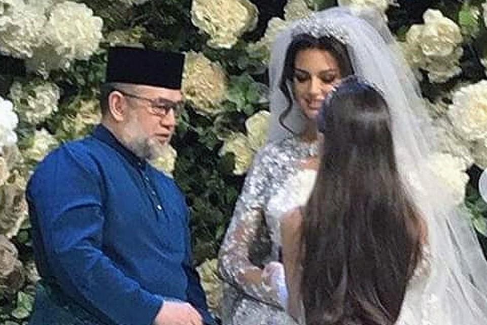 Роскошная свадьба состоялась в престижном комплексе на Рублевском шоссе.