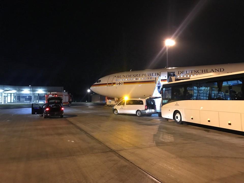 В Германии не исключают криминальный след в поломке самолёта Меркель