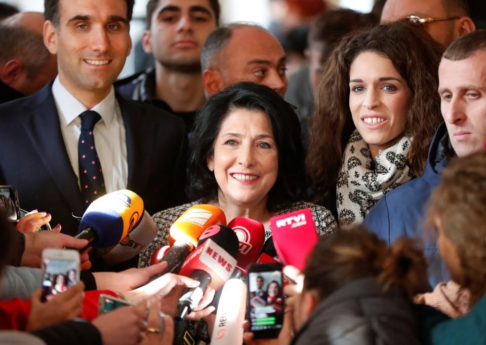 В Совфеде надеются на нормализацию отношений с Грузией после избрания нового президента республики Саломе Зурабишвили.