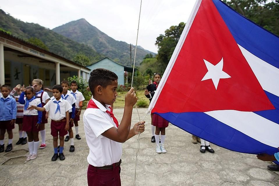 Кубинцы впервые в истории опробовали мобильный интернет