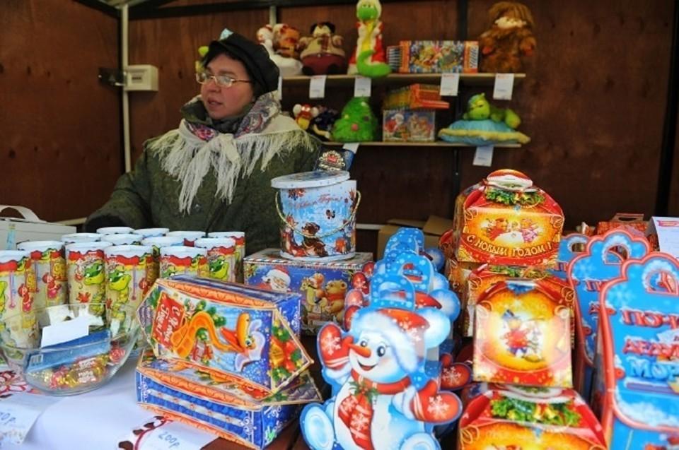 Роспотребнадзор дал рекомендации по выбору сладких подарков к новогоднему празднику