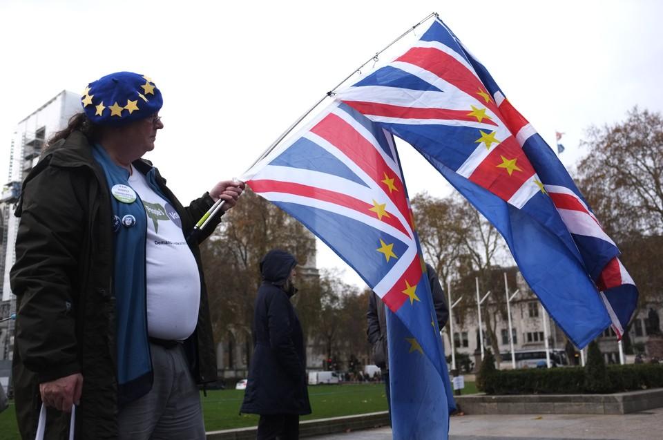 """Великобритания готовит """"жесткий"""" Brexit"""