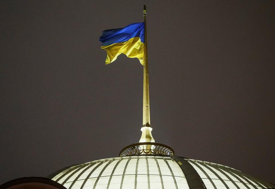 Рада снова предлагает ввести визовый режим с Россией