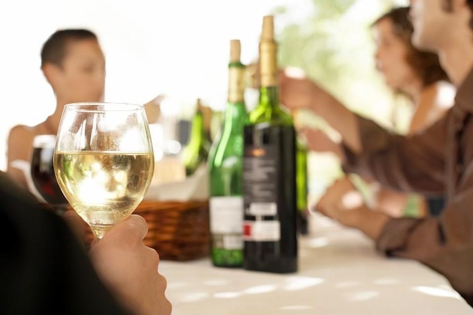 Стало известно, какой алкоголь чаще всего подделывают в России.