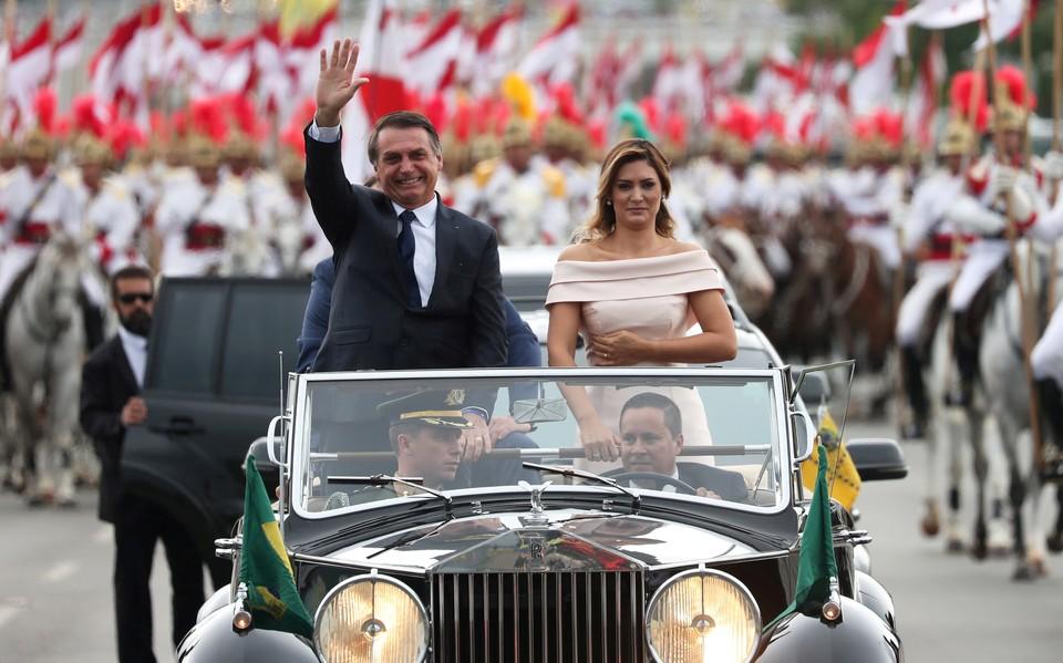 Жаир Болсонару с супругой
