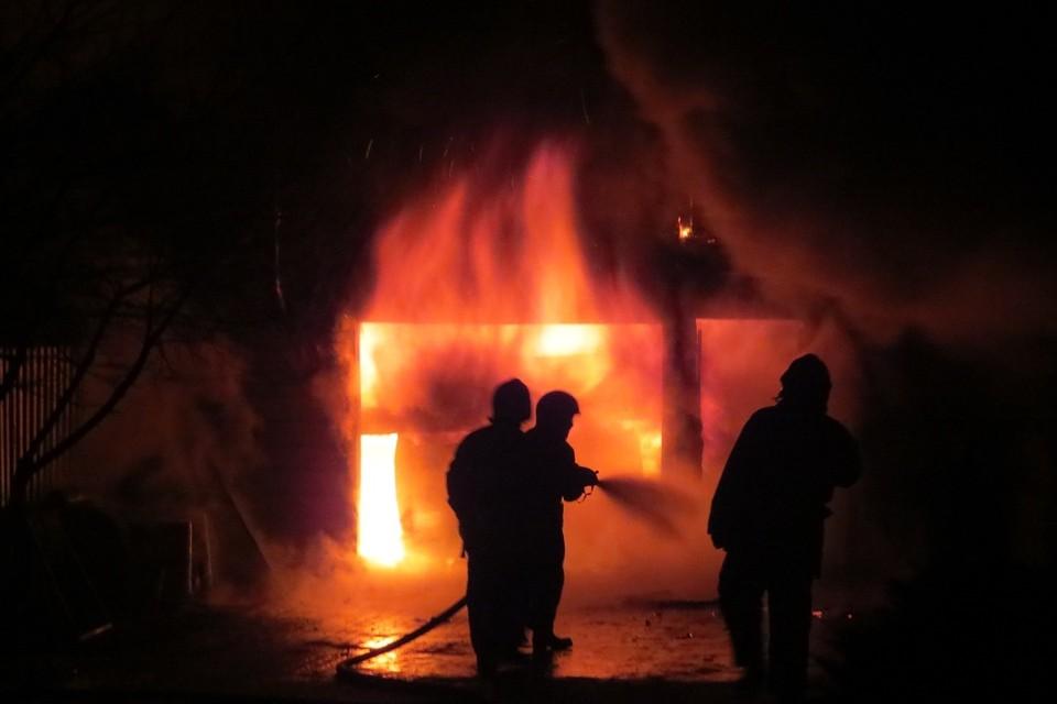 Пожар в Лунинецком районе случился в новогоднюю ночь. Фото-иллюстрация: МЧС.