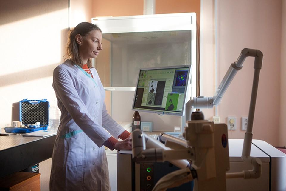 Исследователи ТГУ и Саратовского государственного университета предложили новый подход для коррекции близорукости.