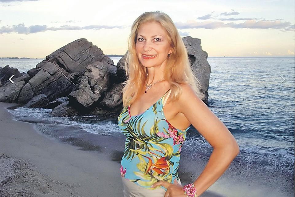 На обложке книги Нины - фото их общей с Дунаевским дочери Алины. Фото: vk.com
