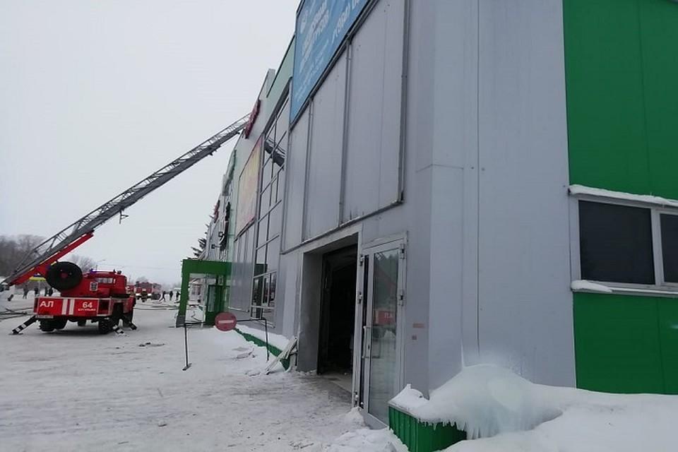 В Татарстане во время пожара в торговом доме эвакуировали 60 человек 81c69c63f7b