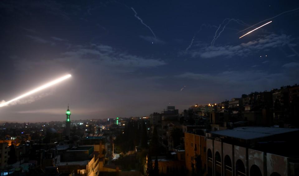 Сирийские ПВО сбивают израильские ракеты над Дамаском