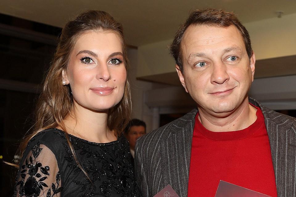 Актер Марат Башаров и его супруга Елизавета Шевыркова.