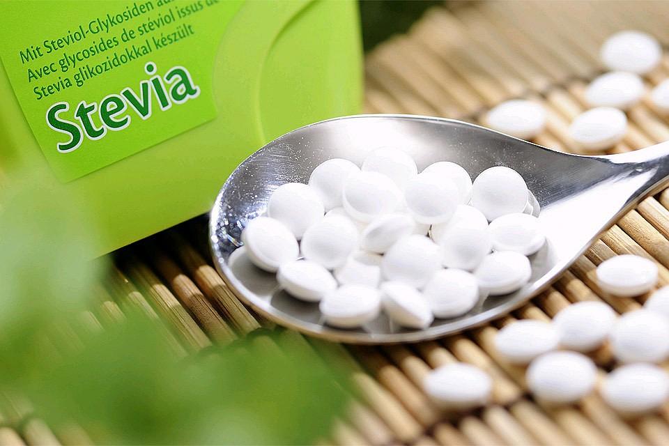 Таблетки Стевии - одного из популярных видов заменителя сахара.