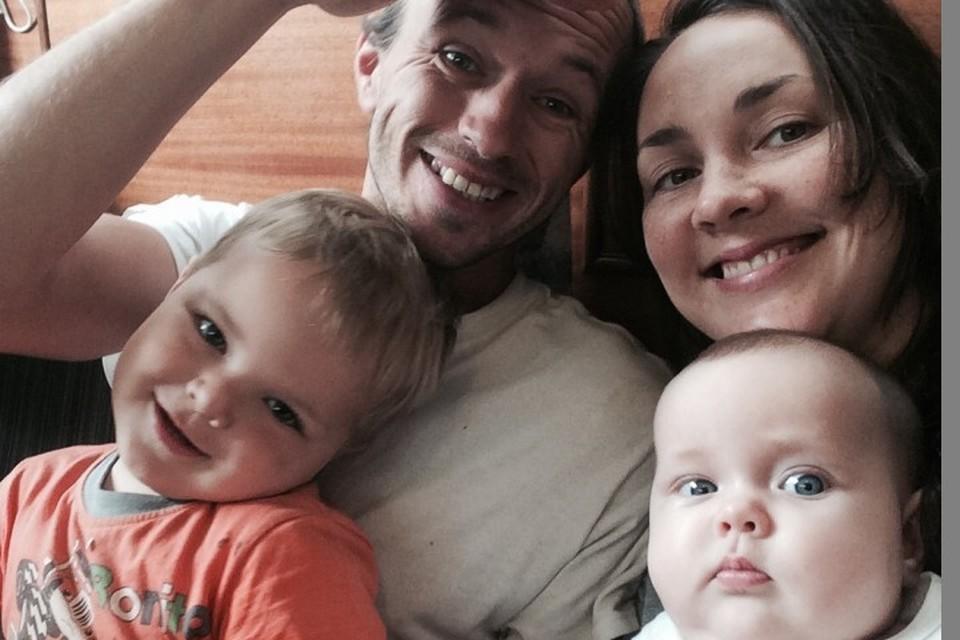 Семья Суриковых в полном составе. Фото: семейный архив