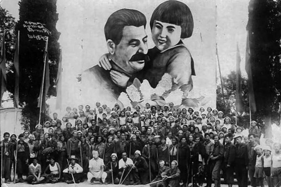 Судьба малышки, которую поцеловал «вождь всех народов». ФОТО: wikipedia.org.