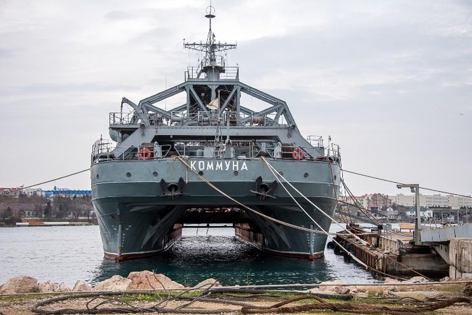 Самый первый спасатель подводных лодок в России до сих пор в строю.