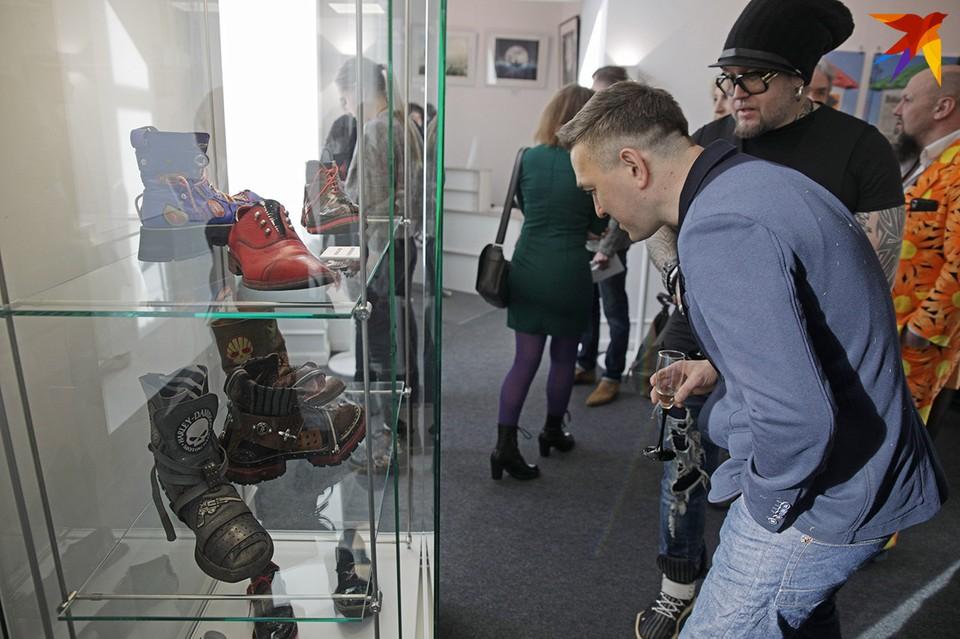 Такую обувь теперь только на выставке и увидишь!