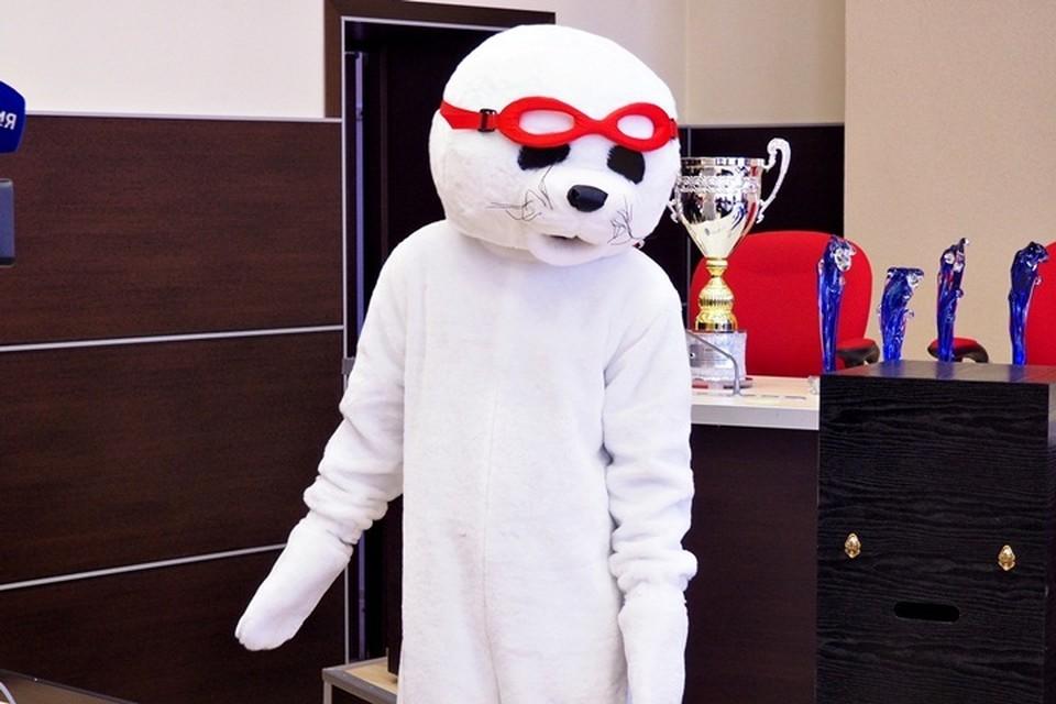 Один из талисманов Чемпионата по Ледяному плаванью-2019. Белек, он же детеныш тюленя.