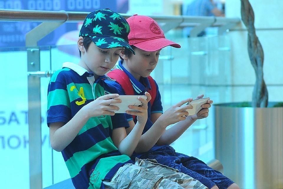 Ученые опровергли пять самых популярных мифов о «цифровом поколении»