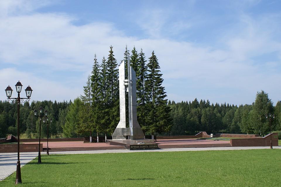 Кладбище-мемориал в память о катастрофе на въезде в город Мирный. Фото: Михаил Притчин/wikimedia.org