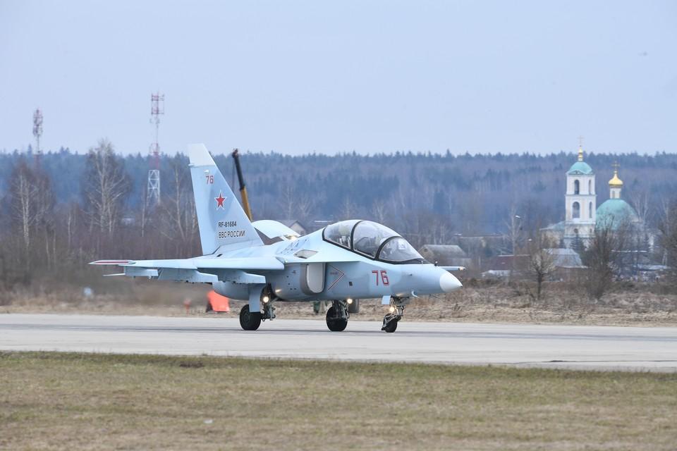 Россия заключила контракты на поставку около 100 самолётов Як-130