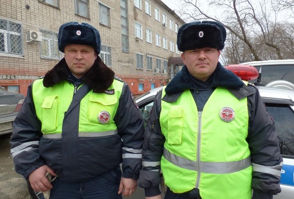 Стражи порядка поймали лихача и спасли двух детей. Фото: пресс-служба ГИБДД по Свердловской области