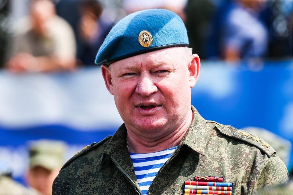 Командующий Воздушно-десантными войсками РФ, генерал-полковник Андрей Сердюков. Фото Александр Рюмин/ТАСС
