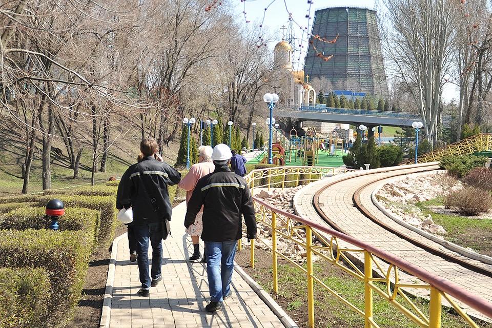 Украинские выборы Донбассу не слишком интересны, куда насущнее слухи о скорой начале выдачи российских паспортов.