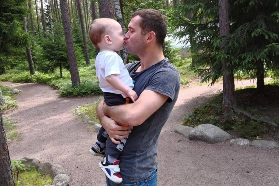 Александр Кержаков больше не хочет судиться с женой из-за сына.