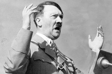 Константин Залесский: Гитлер предлагал уничтожить Ленинград «как ненужный материал»
