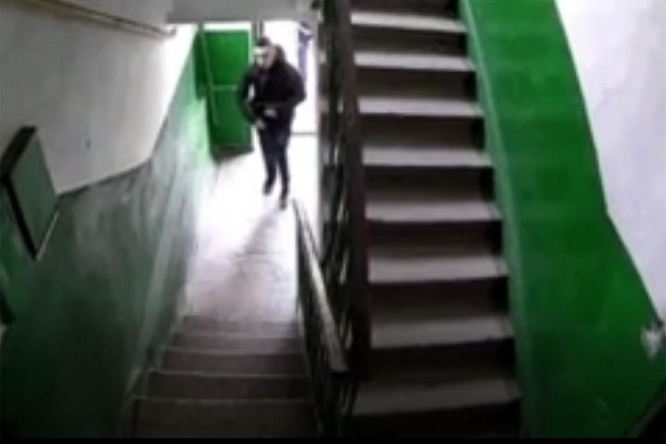 Жильцы установили в подъезде камеры наблюдения