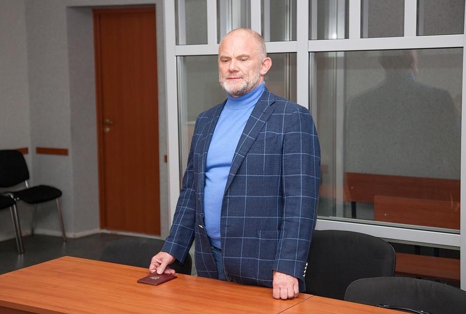 53e280ddedca1 «Подсудимый находится в стационаре». Экс-депутат Пермского ЗС Владимир  Нелюбин не пришел на собственный приговор