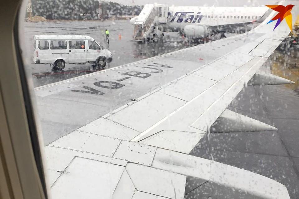 Борт должен был вылететь рано утром. Фото: Анастасия СЕРЫШЕВА.