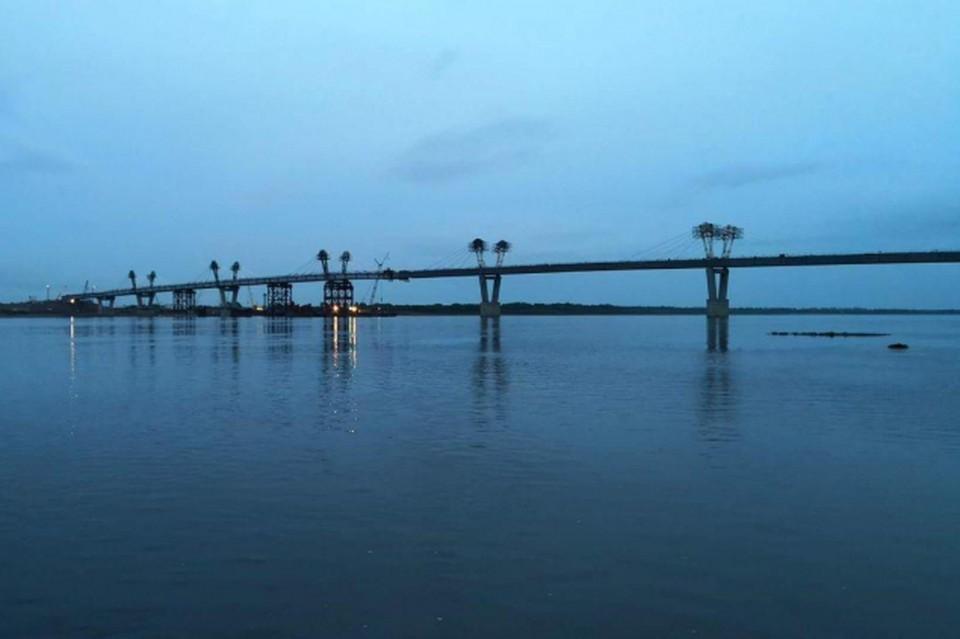 Первый российско-китайский автомобильный мост под Благовещенском почти достроен. Фото: Министерство по развитию Дальнего Востока