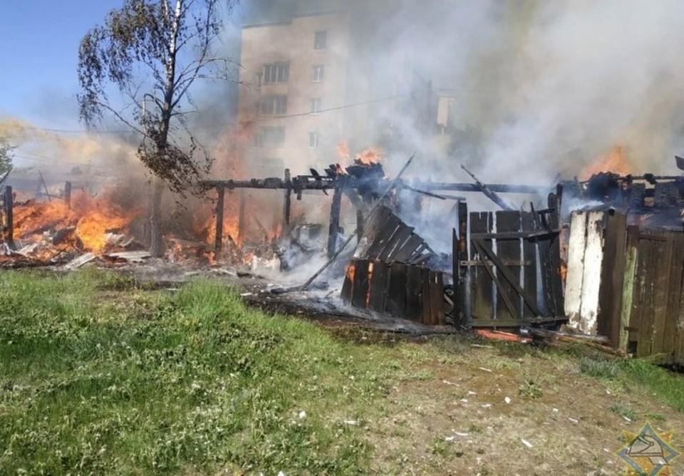 ЧП произошло на улице Тросницкой 20 мая. Основная версия – поджог. Фото: МЧС
