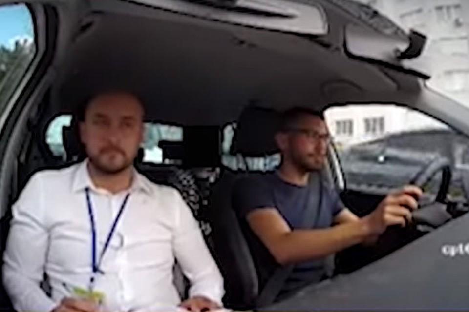 В Молдове юноша, обвинивший в несдаче на получение прав взяточников, кажется, врет: «На видео видно, что он грубо нарушил правила, поехав на желтый свет»!