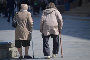 До 1 июля наиболее бедным пенсионерам пересчитают пенсии