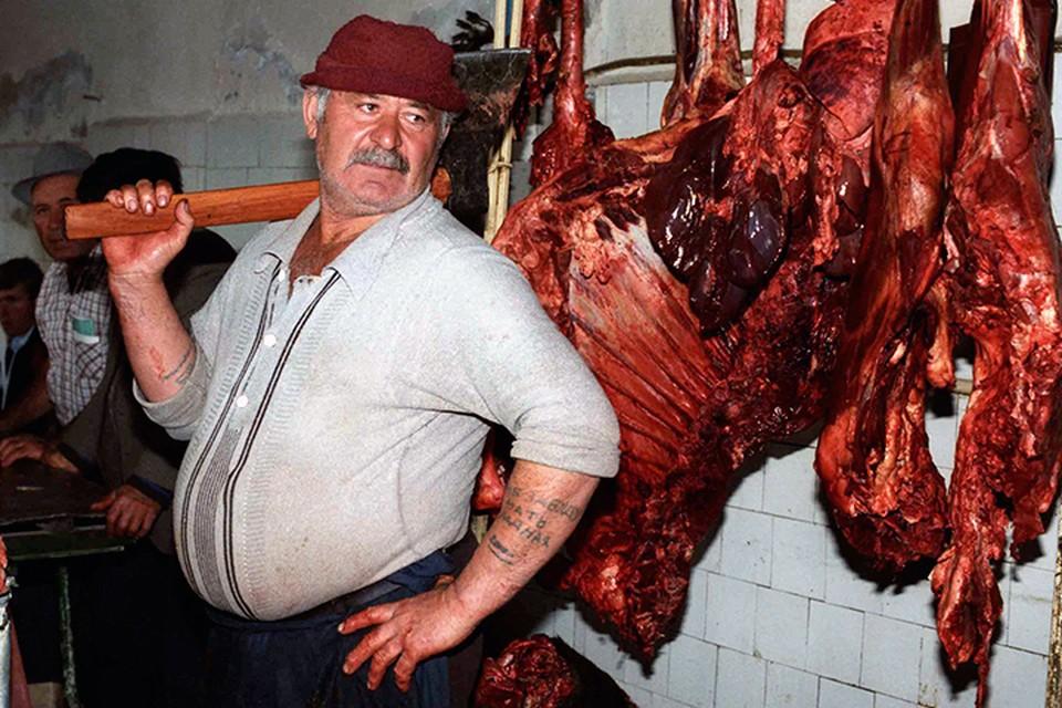 У нас животноводство сейчас напоминает отверточную сборку автомобиля. Мы научились производить нужные объемы мяса. Но при этом зависим от поставляемых по импорту «деталей»