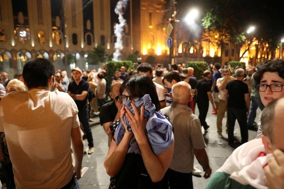 В Грузии вспыхнули массовые протесты и беспорядки