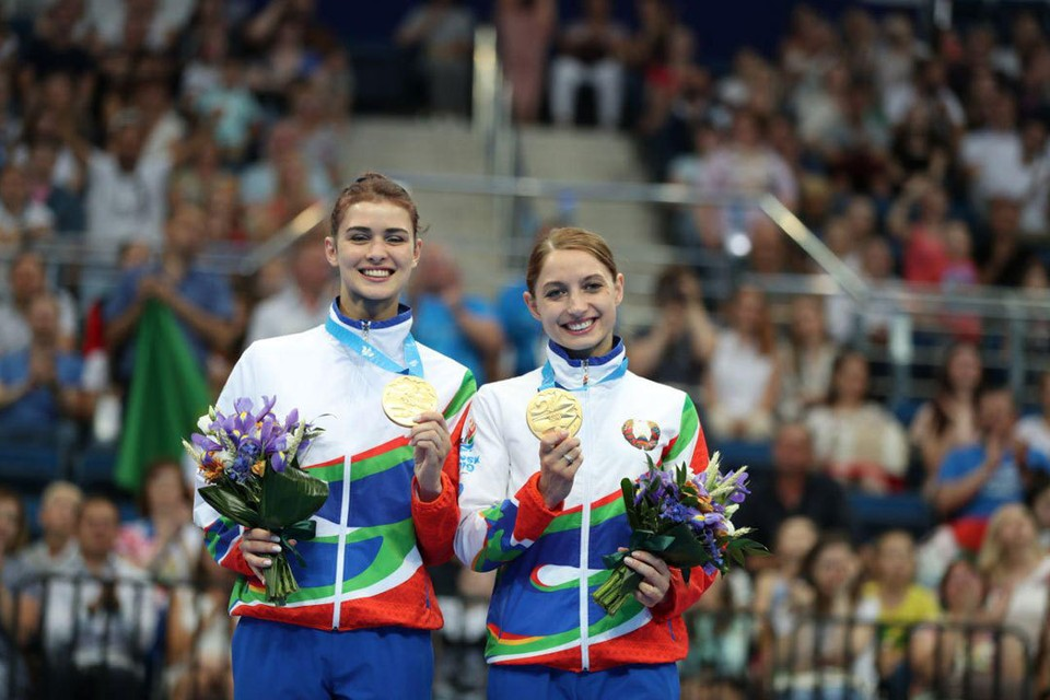 Мария Махаринская Анна Гончарова с золотыми медалями. Фото: noc.by