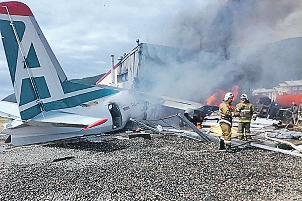 В Бурятии аварийно сел пассажирский самолет.