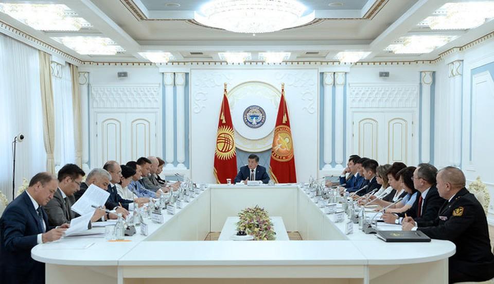 Президент раскритиковал чиновников за слабую работу по внедрению судебно-правовой реформы.