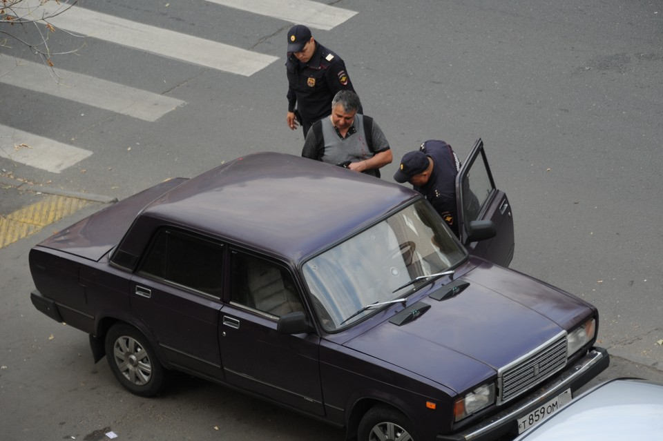 Рязанские полицейские и сотрудники ФСБ раскрыли группировку, которая организовала незаконную миграцию на территории России.
