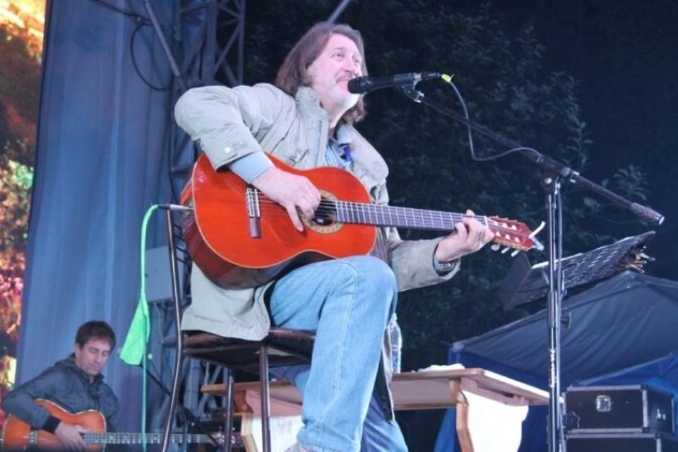 На традиционном бардовском фестивале Олег Митяев исполнил свою новую песню. Фото: Павел Царь