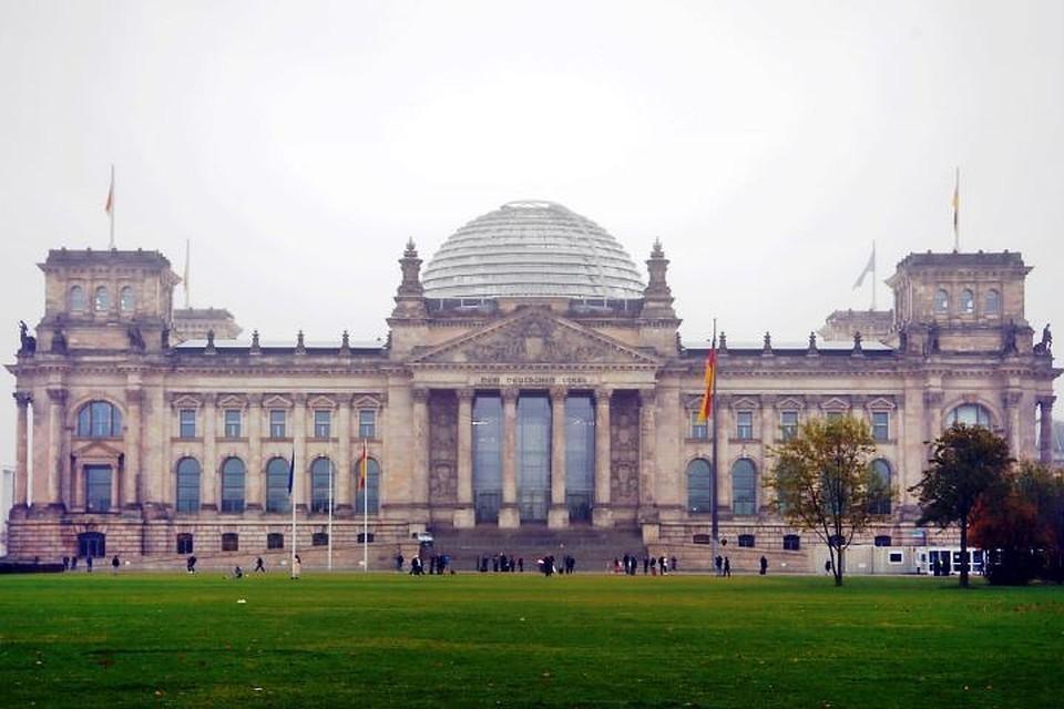 Депутат бундестага оценили призыв журналиста из ФРГ снести памятник Победы