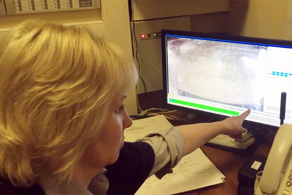 Пресс-секретарь московского музея Есенина Любовь Курьянова рассказала журналистам, что в первый раз здешние камеры сняли необъяснимое около месяца назад