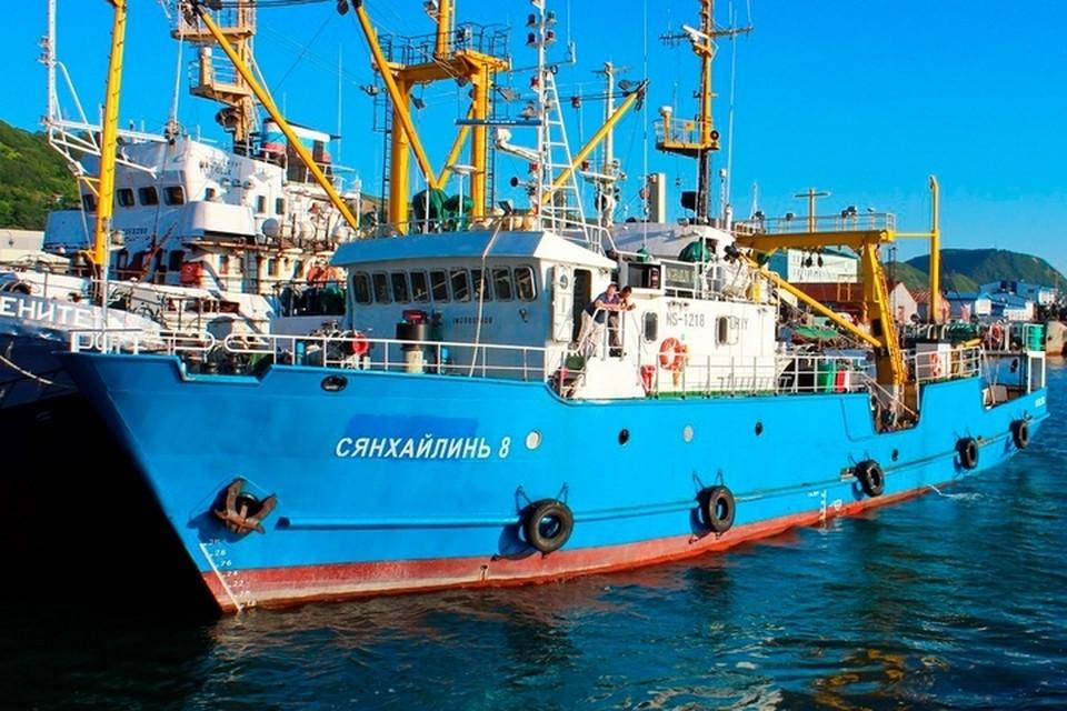 На борту судна «Сянхайлинь-8» находятся 15 российских и двое южнокорейских моряков. Фото: 7388PetVladVik