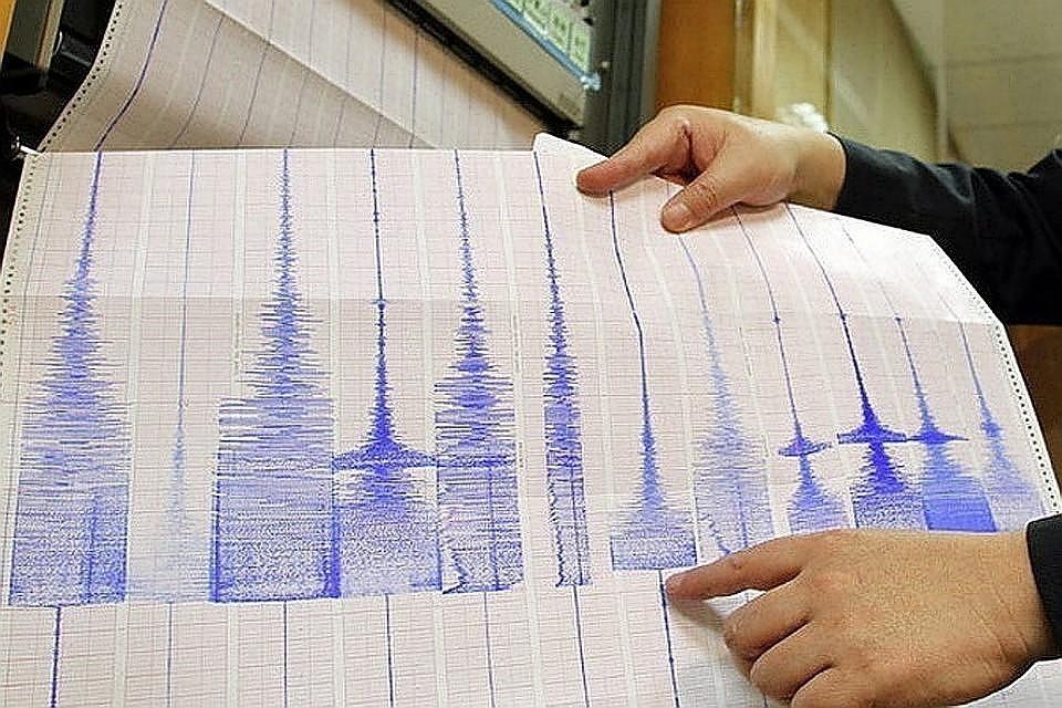 у берегов индонезийского острова Суматра зафиксировано землетрясение магнитудой 7,1