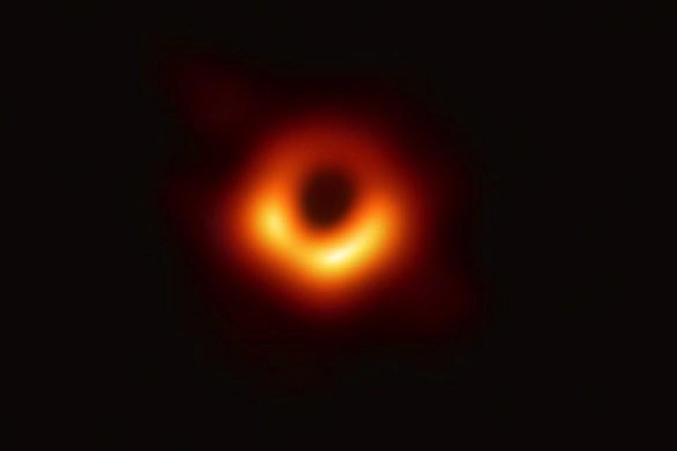 Чёрные дыры - самые загадочные объекты вселенной